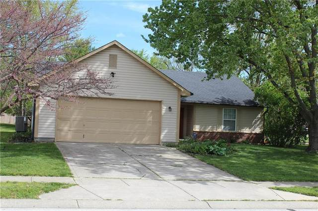 8370 Inland Drive, Avon, IN 46123 (MLS #21782803) :: The Indy Property Source