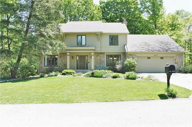 15217 Valleyview Drive, Carmel, IN 46032 (MLS #21783166) :: Keller & Corbett Real Estate
