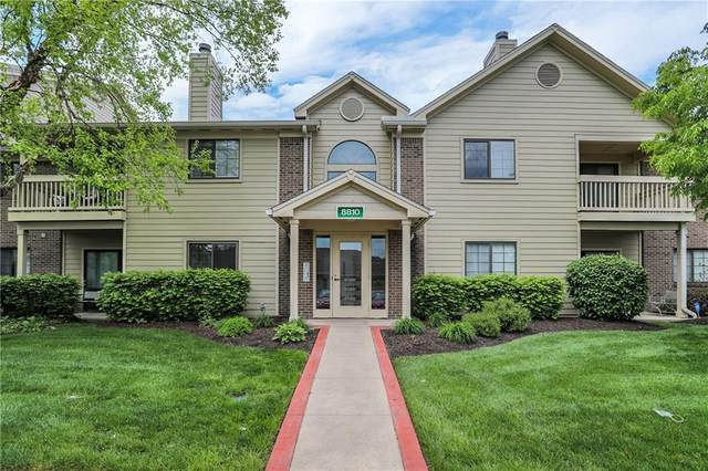 8810 Yardley Court #207, Indianapolis, IN 46268 (MLS #21783236) :: RE/MAX Legacy