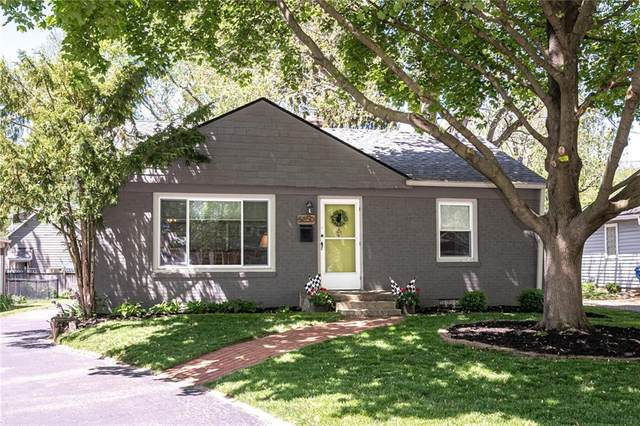 5850 Rosslyn Avenue, Indianapolis, IN 46220 (MLS #21783320) :: AR/haus Group Realty