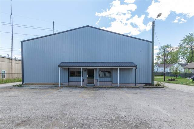 7911 E 46th Street, Indianapolis, IN 46226 (MLS #21783367) :: Pennington Realty Team