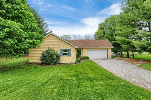 6740 Harrison Lane, Martinsville, IN 46151 (MLS #21783381) :: Mike Price Realty Team - RE/MAX Centerstone