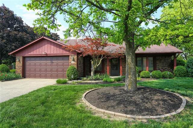 3330 Greensview Drive, Greenwood, IN 46143 (MLS #21783838) :: Mike Price Realty Team - RE/MAX Centerstone