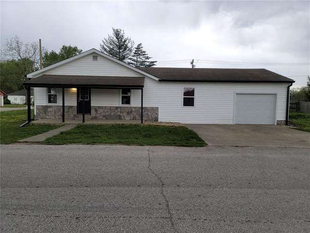 890 S St Clair Street, Martinsville, IN 46151 (MLS #21783942) :: The Indy Property Source