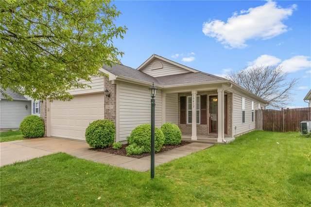15417 Wandering Way, Noblesville, IN 46060 (MLS #21784417) :: Keller & Corbett Real Estate