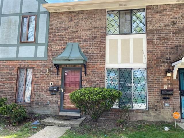 8044 E Cheswick Drive, Indianapolis, IN 46219 (MLS #21784512) :: RE/MAX Legacy