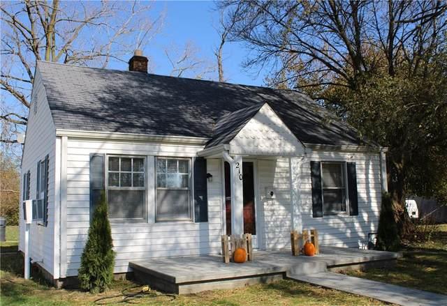 210 N Parkway Drive, Anderson, IN 46013 (MLS #21785592) :: Ferris Property Group