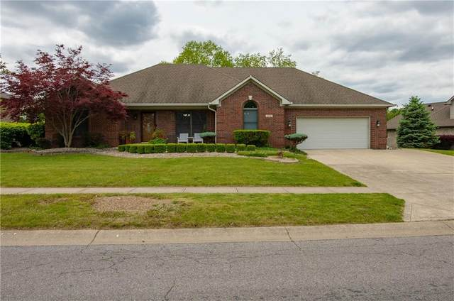 2252 E Willow Lakes Boulevard, Greenwood, IN 46143 (MLS #21785595) :: HergGroup Indianapolis