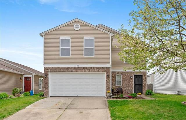 1726 Blue Grass Parkway, Greenwood, IN 46143 (MLS #21785635) :: HergGroup Indianapolis