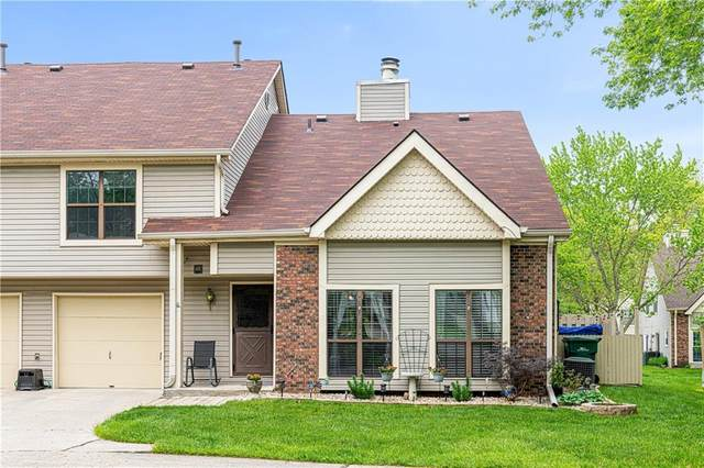 8008 Valley Farms Court, Indianapolis, IN 46214 (MLS #21786745) :: RE/MAX Legacy