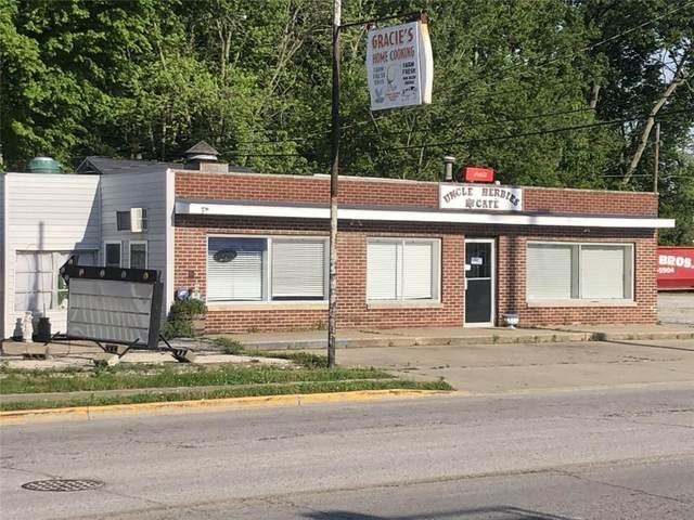 2460 Maple Avenue, Terre Haute, IN 47804 (MLS #21786934) :: Pennington Realty Team