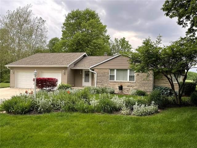 4216 W Horseshoe, Muncie, IN 47302 (MLS #21788328) :: Keller & Corbett Real Estate