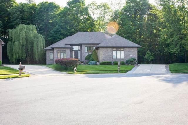 138 Walnut Woods Drive, Greenwood, IN 46142 (MLS #21788522) :: Richwine Elite Group