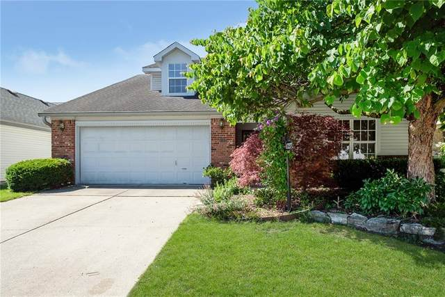 4727 Common View Circle, Indianapolis, IN 46220 (MLS #21788832) :: AR/haus Group Realty