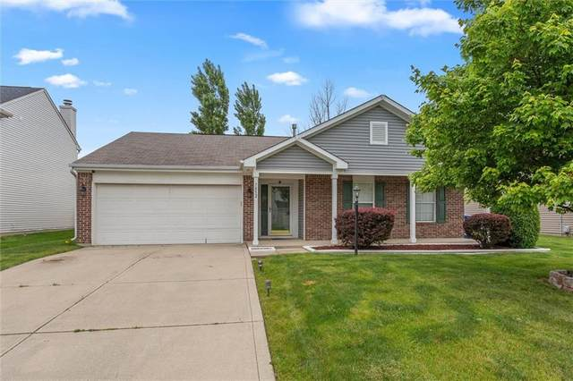 7852 Fox Glen Drive, Indianapolis, IN 46239 (MLS #21788966) :: Mike Price Realty Team - RE/MAX Centerstone