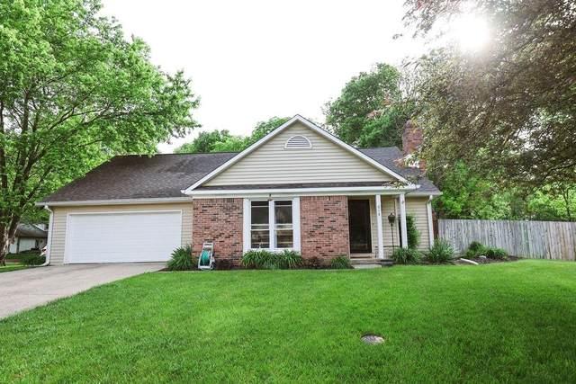 613 Oakridge Court, Avon, IN 46123 (MLS #21789902) :: Ferris Property Group