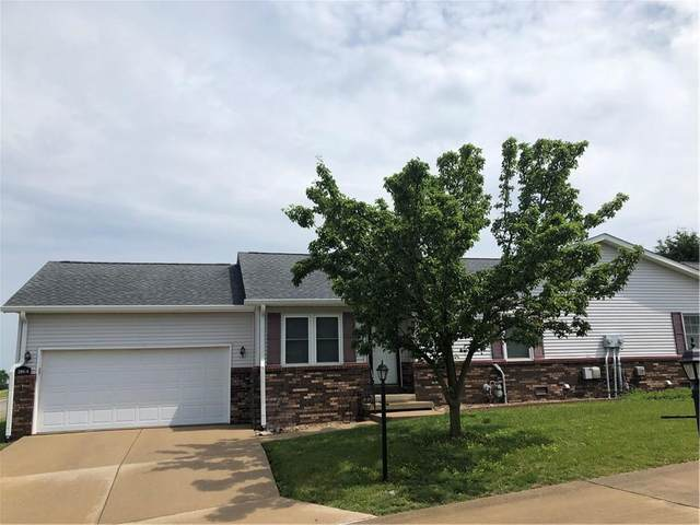 201 Longcastle Drive #4, Greencastle, IN 46135 (MLS #21789945) :: Mike Price Realty Team - RE/MAX Centerstone