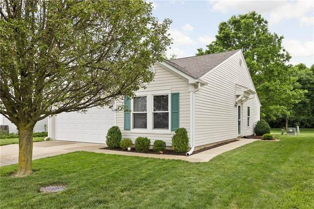 4515 S Redcliff Lane, Plainfield, IN 46168 (MLS #21790424) :: Ferris Property Group