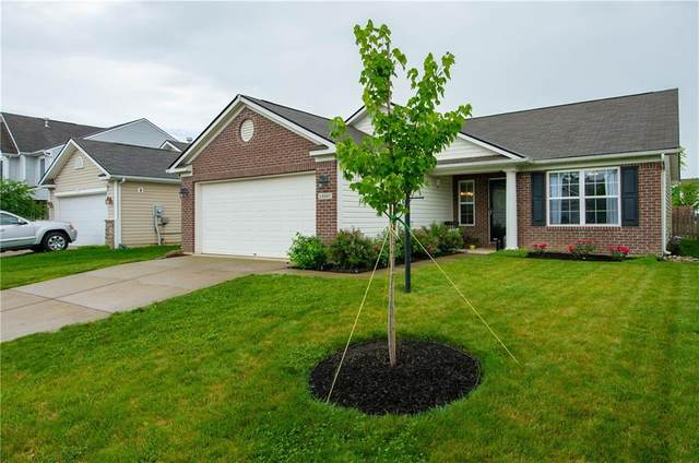 19367 Fox Chase Drive, Noblesville, IN 46062 (MLS #21790681) :: Heard Real Estate Team | eXp Realty, LLC