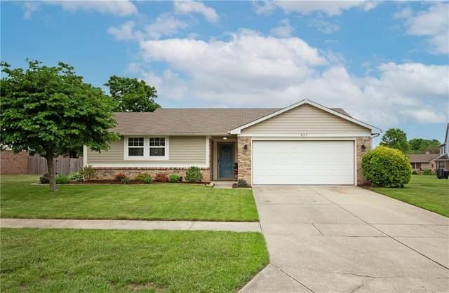 857 Cypress W, Greenwood, IN 46143 (MLS #21790726) :: The ORR Home Selling Team