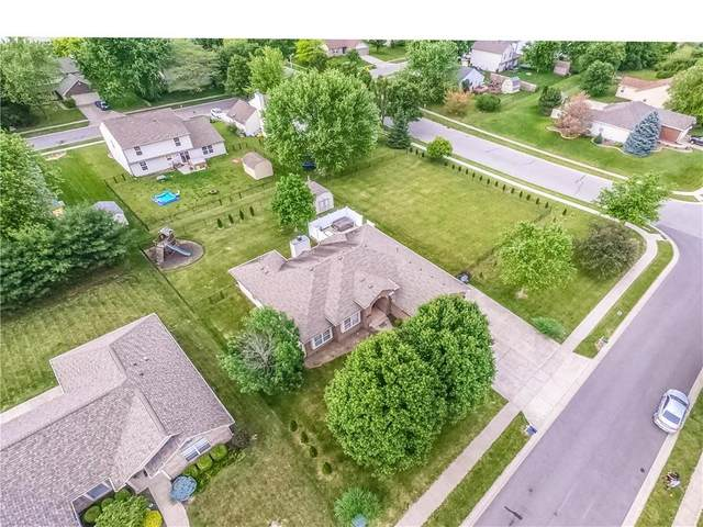 822 Orion Drive, Franklin, IN 46131 (MLS #21790821) :: Mike Price Realty Team - RE/MAX Centerstone