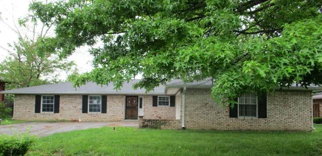 9552 E Jay Drive, Indianapolis, IN 46229 (MLS #21791305) :: Pennington Realty Team