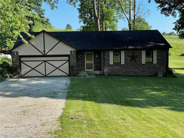 2085 Plantation Lane, Martinsville, IN 46151 (MLS #21791546) :: The Indy Property Source