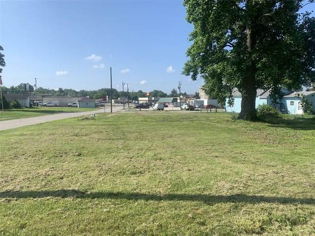 840 E Church Street, Brazil, IN 47834 (MLS #21791569) :: Mike Price Realty Team - RE/MAX Centerstone