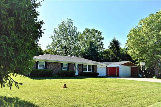 8061 N Maple Drive, Mooresville, IN 46158 (MLS #21792187) :: The Indy Property Source