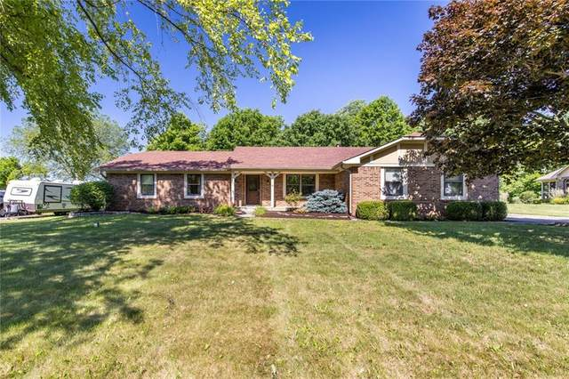 2130 S Oakwood Drive, New Palestine, IN 46163 (MLS #21793736) :: The Indy Property Source