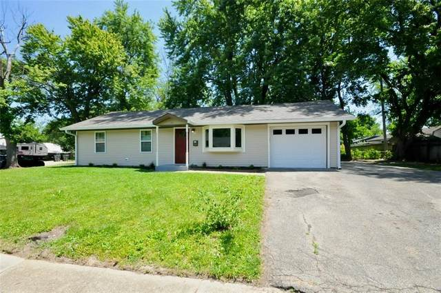 2943 S Walcott Drive, Indianapolis, IN 46203 (MLS #21793779) :: AR/haus Group Realty