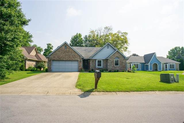737 Royal Troon Court, Avon, IN 46123 (MLS #21794500) :: AR/haus Group Realty
