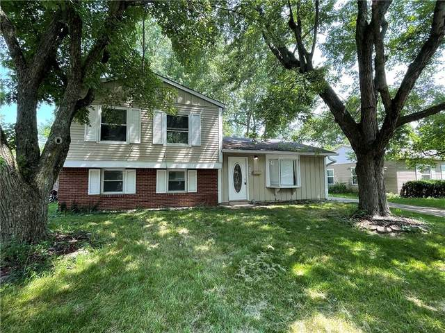 8122 E Barry Road, Indianapolis, IN 46219 (MLS #21794525) :: Richwine Elite Group
