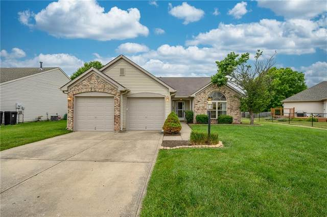 876 Lionshead Lane, Greenwood, IN 46143 (MLS #21794712) :: Mike Price Realty Team - RE/MAX Centerstone
