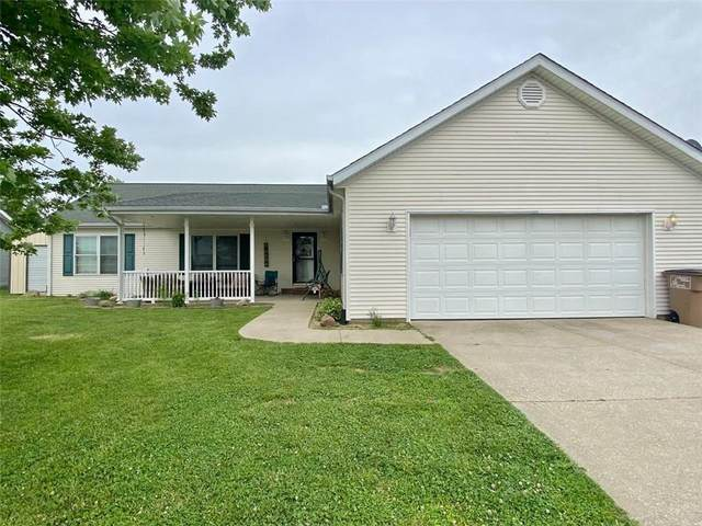 4815 Pinion Circle, Columbus, IN 47201 (MLS #21795161) :: Mike Price Realty Team - RE/MAX Centerstone