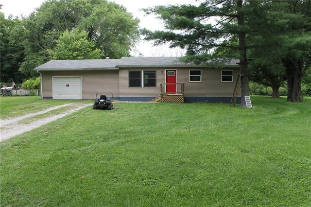 13146 N Forest Drive, Camby, IN 46113 (MLS #21795267) :: Mike Price Realty Team - RE/MAX Centerstone