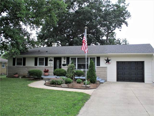 1515 Forest Drive, Columbus, IN 47201 (MLS #21795360) :: Mike Price Realty Team - RE/MAX Centerstone