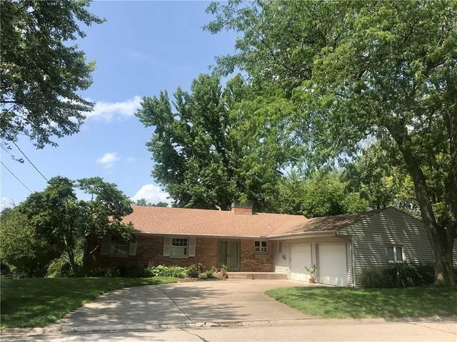 316 Sunset Drive, Columbus, IN 47201 (MLS #21795966) :: Mike Price Realty Team - RE/MAX Centerstone