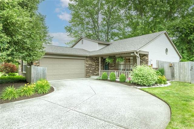 8913 Royal Meadow Drive, Indianapolis, IN 46217 (MLS #21797373) :: Pennington Realty Team