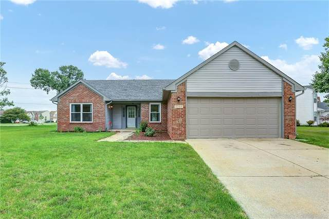 2244 Valley Creek West Lane, Indianapolis, IN 46229 (MLS #21797616) :: AR/haus Group Realty