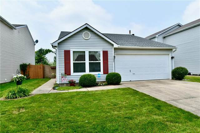 16807 Aulton Drive, Noblesville, IN 46060 (MLS #21797852) :: AR/haus Group Realty
