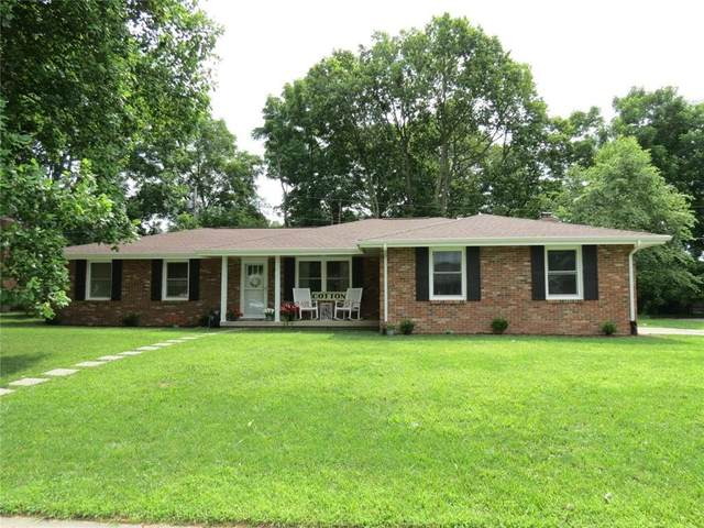 3315 Flintwood Drive, Columbus, IN 47203 (MLS #21798494) :: Mike Price Realty Team - RE/MAX Centerstone