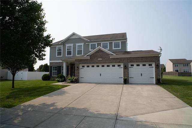 121 Stamford Drive, Pittsboro, IN 46167 (MLS #21798995) :: The Indy Property Source