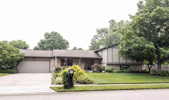 10905 Lakeshore Drive E, Carmel, IN 46033 (MLS #21799076) :: The Indy Property Source