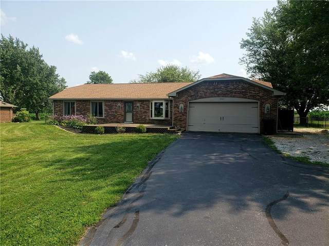 2027 E County Road 600 South, Clayton, IN 46118 (MLS #21799236) :: The Indy Property Source