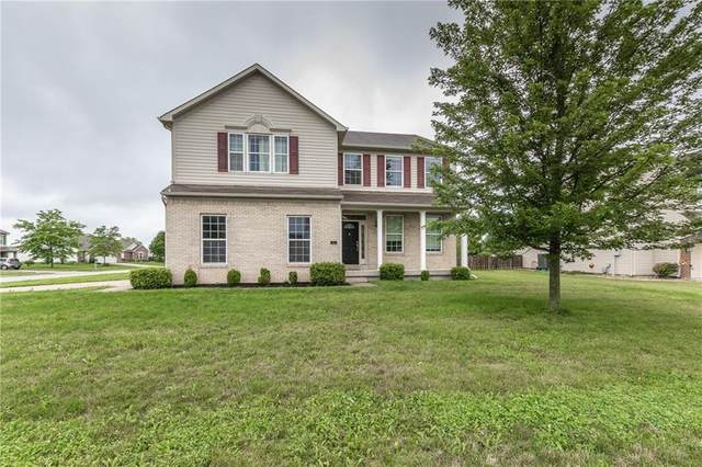 2410 Mcgregor Drive, Avon, IN 46123 (MLS #21799708) :: Mike Price Realty Team - RE/MAX Centerstone
