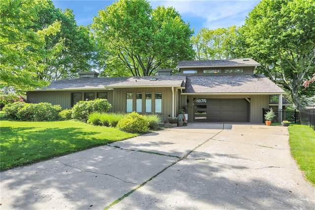 2796 Lafayette Ave, Columbus, IN 47201 (MLS #21799732) :: The Evelo Team