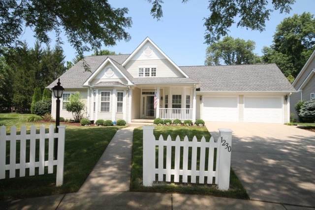 1230 Boxwood Court, Columbus, IN 47201 (MLS #21800068) :: Mike Price Realty Team - RE/MAX Centerstone
