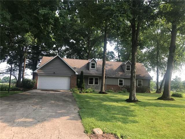 3078 W Hickory Woods Drive, Greenfield, IN 46140 (MLS #21800407) :: Mike Price Realty Team - RE/MAX Centerstone