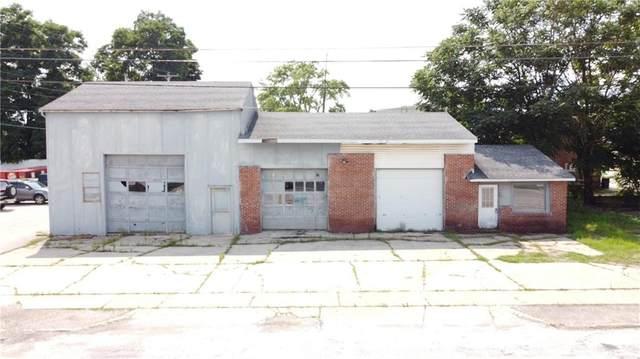 1 E Pearl Street, North Salem, IN 46165 (MLS #21800645) :: Pennington Realty Team